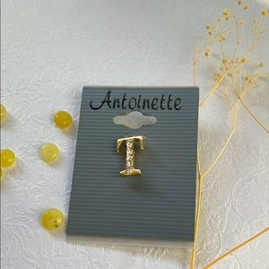 """3/20$ Letter """"T"""" brooch or pin in gold tone"""